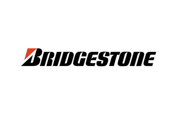 """<a href=""""https://neuromoto.es/categoria/neumaticos/juegos-neumaticos/juegos-bridgestone/"""">JUEGOS BRIDGESTONE</a>"""